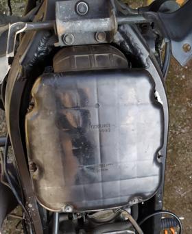 Кутия на въздушен филтър на Suzuki V-strom.